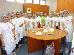 janet with her basic baking class first batch